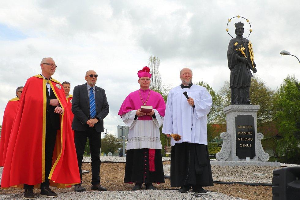 Nepomuk - odhalení a vysvěcení sochy sv. Jana Nepomuckého