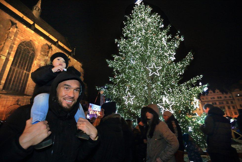 Rozsvícení vánočního stromu v Plzni.