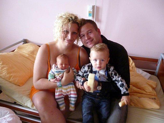 Noel (3,85 kg, 51 cm) se narodil 30. září ve 2:31 ve Fakultní nemocnici v Plzni. Na světě ho přivítali maminka Monika Procházková a tatínek Leon Damas. Doma na něj čeká bratříček Leonek (18 měsíců)