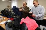 Obchodní inspekce Plzeňského a Karlovarského kraje darovala textilní a kožené výrobky na charitu
