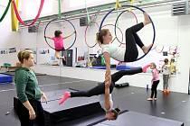Plzeňský spolek Žongléros ansábl pořádá příměstský tábor, se zaměřením na disciplíny nového cirkusu jako jsou žonglování, vzdušná akrobacie či hooping.