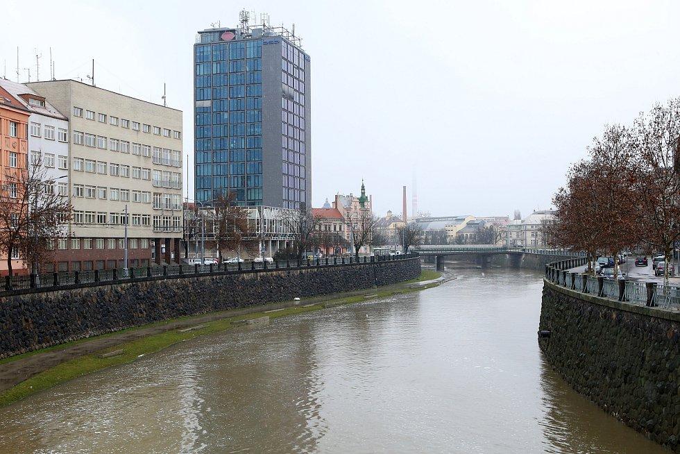 zvednutá hladina řeka Radbuza Anglické nábřeží