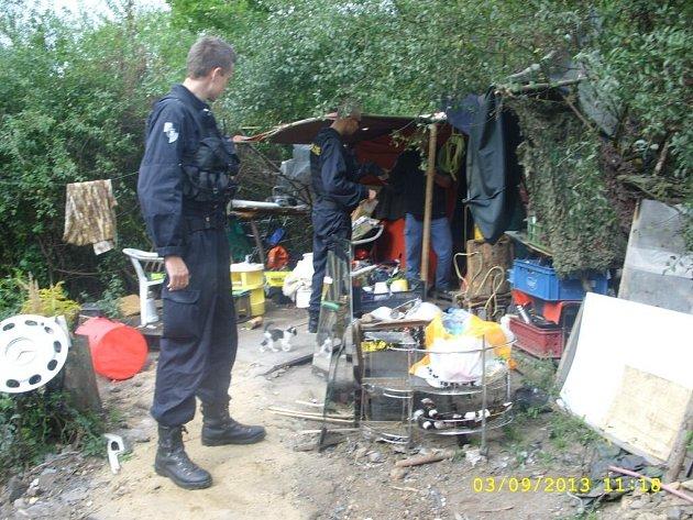 Kontroly bezdomovců v Plzni-Skvrňanech