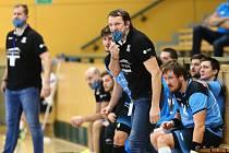 Petr Štochl na lavičce Talent týmu Plzeňského kraje během posledního zápasu doma proti Zubří.