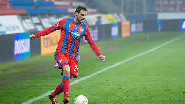 Plzeňský obránce Milan Havel při minulém zápase se Spartou.
