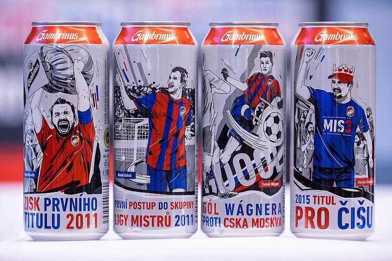 Na plechovkách jsou vyobrazeny čtyři nej... momentu z historie Viktorie Plzeň, které vybrali samotní fanoušci.