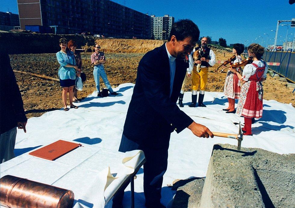 Zahájení stavby prvního Penny Marketu v republice. Foto: archiv InterCory