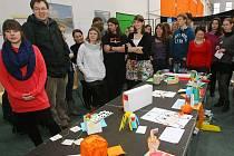 Entropa jinak. Studenti ze čtyř evropských zemí vytvářeli v plzeňské Techmanii vlastní verzi kontroverzního díla