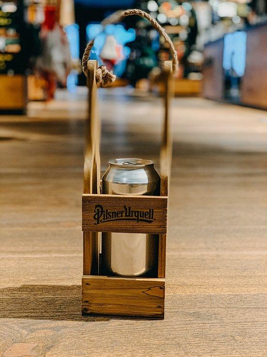 Unikátní ležák rozváží pivovar po Plzni v plechovkách, pít se musí hned.