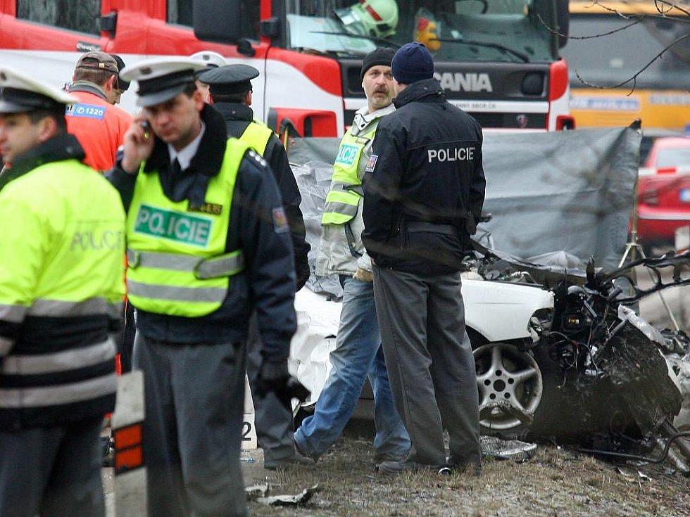 Smrtelná nehoda se stala v úterý 1. března 2011 ráno na silnici vedoucí z Plzně na Klatovy  za odbočkou na obec Vysoká. Při střetu osobního vozidla a autobusu zahynuli tři lidé a další tři osoby odvezla sanita k ošetření do nemocnice