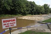 Rozvodněná Úhlava v Plzni - Hradišti