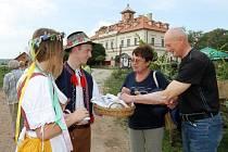Dožínky na zámku v Rochlově
