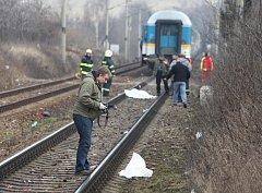 O život přišel v úterý ráno třiaosmdesátiletý muž, který přecházel koleje poblíž zastávky Plzeň Doubravka