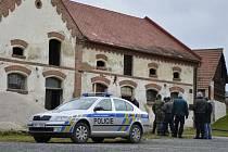 Zátah policistů na pěstírnu konopí v Trnové