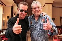 Graham Bonnet (vlevo) a Dan McCafferty jsou rockové legendy