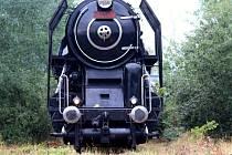 Zatěžkávací zkoušky znovuzprovozněné uhelné dráhy provedl Iron Monument Club Plzeň včera. Do Nýřan za tím účelem přijel  s lokomotivou Šlechtična.