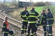 Sedmapadesátiletou ženu usmrtila v neděli ráno vlaková souprava projíždějící po železniční trati mezi jihoplzeňskými Srby a Nepomukem