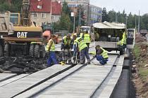 Oprava tramvajových kolejí ve směru na Košutku