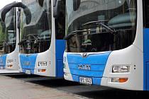 Plzeňský kraj společně s výrobcem autobusů MAN a dopravní společností Arriva Čechy představil novinářům nové autobusy MAN Lion´s City LE. Dvaadevadesát těchto vozů se bude od 14. června nově podílet na zajištění dopravní obslužnosti Plzeňského kraje.