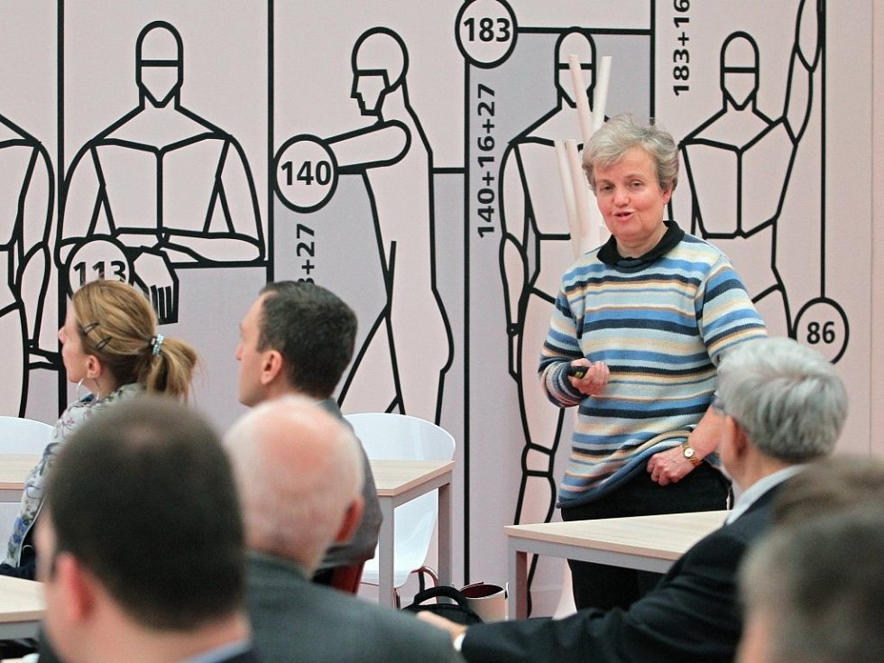 V plzeňské Techmanii se konala přednáška Dany Drábové s názvem Úspěšný propadák? aneb Jádro včera, dnes a zítra.