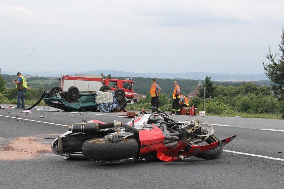 Tragická nehoda u Chotíkova, při které zemřeli dva lidé