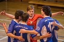 Takto se často radovali v utkání s Dansportem Praha volejbalisté USK Slavie Plzeň, kteří svého soupeře pokořili dvakrát 3:0