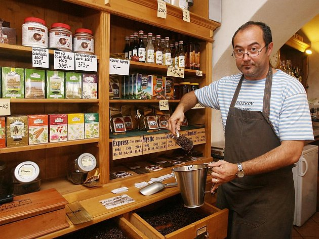 Goran Jozić v Plzni založil Klub kafařů, který má za cíl naučit obyvatele města znát kávu