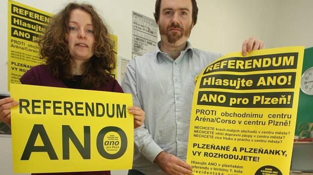 Aktivisté rozjeli svou kampaň na podporu referenda ve velkém