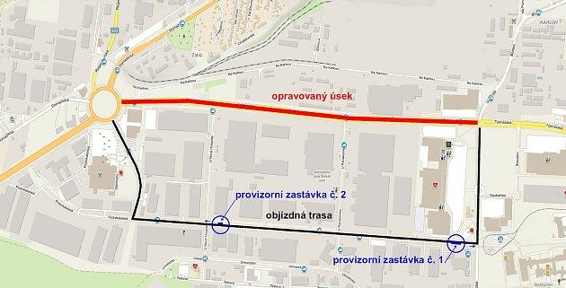 Dopravu na Borských polích vPlzni zkomplikuje během prázdnin oprava frekventované komunikace ve Folmavské ulici, která kvůli trhlinám, vysprávkám a vyjetým kolejím dostane nový asfaltový povrch.