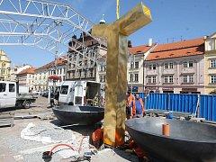 Anděl v rohu náměstí Republiky směrem k Pražské ulici