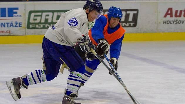 Hokejová exhibice házenkářů: Staří vs. Mladí