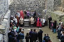 Novou sezonu na hradě Radyni zahájil jeho zakladatel Karel IV. O prvním víkendu přišlo 700 návštěvníků