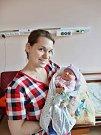 Kateřina Matoušková se narodila 1. března v5:03 mamince Ivaně a tatínkovi Petrovi zPlzně. Po příchodu na svět vplzeňské FN vážila jejich prvorozená dcerka 3520 gramů a měřila 50 centimetrů.