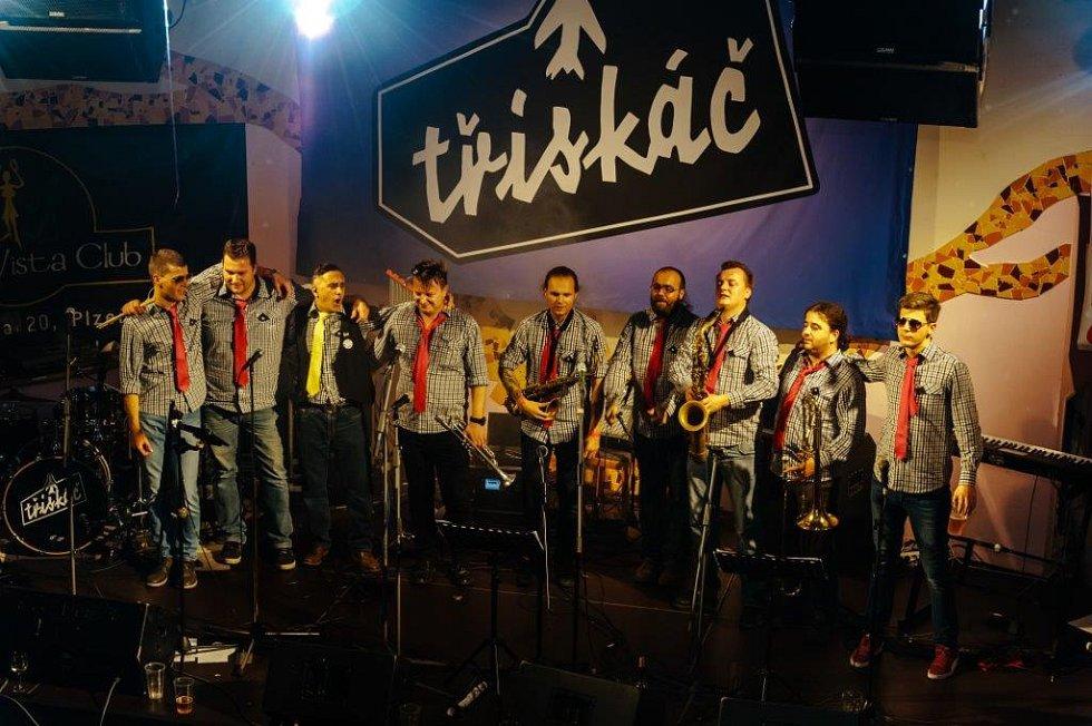 V plzeňském klubu Buena Vista pokřtila kapela Třískáč o poslední listopadové sobotě nové album.