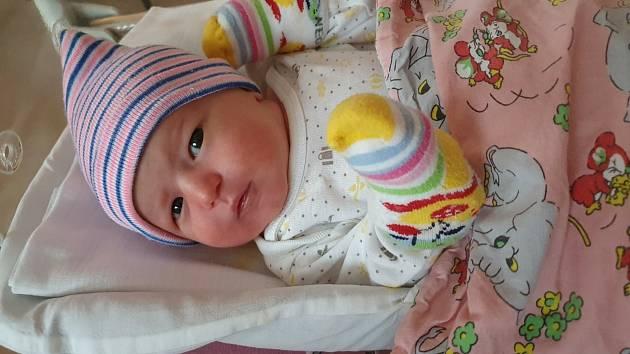 Kristýnka Hrabíková z Plzně se narodila 10. ledna 2021 v 15:25 hodin mamince Michaele a tatínkovi Michalovi. Po příchodu na svět ve FN Lochotín vážila 3350 gramů a měřila 50 centimetrů. Doma ji přivítal 20 měsíční bratříček Pepíček.