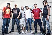 Asian Dub Foundation vydali v červenci dlouho očekávanou desku More Signal More Noise a v srpnu ji představí v severočeském Vroutku.