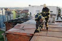 Hasiči včera ráno zasahovali u požáru bytu v ulici Kardinála Berana v Plzni