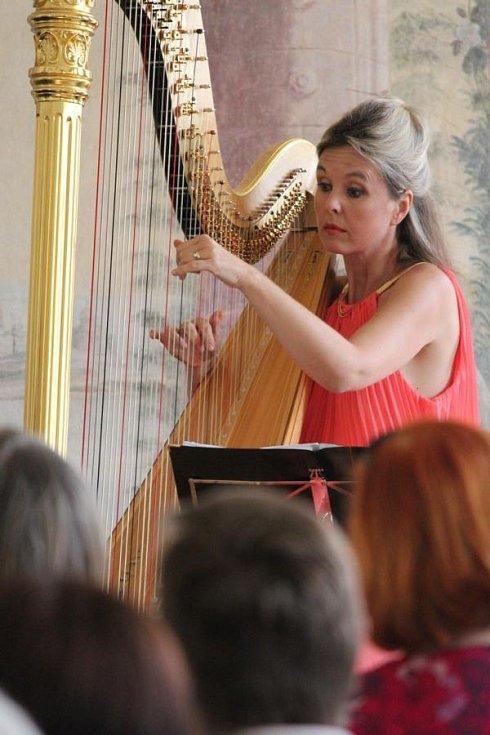 Harfistka Kateřina Englichová.