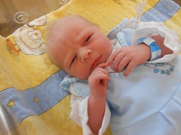 Štěpán (2,50 kg, 46 cm) se narodil 9. července v 0:34 ve Stodské nemocnici. Na světě svého prvorozeného syna přivítali tatínek prvorozeného Tomáš Kolečko i maminka Věra Konopíková