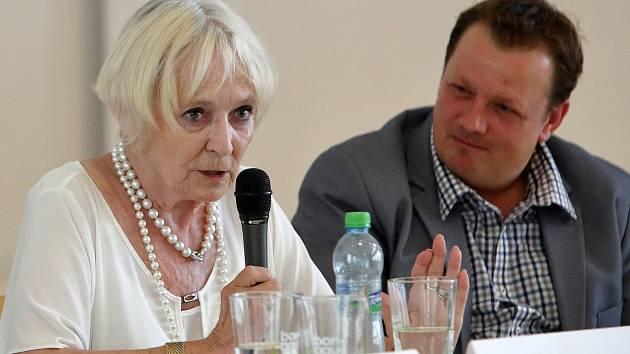 Debata s Bělou Gran Jensen, Lídou Rakušanovou a Jaroslavem Hutkou