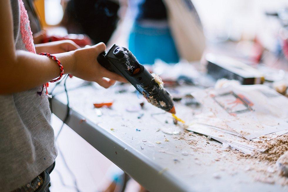 Druhý ročník přehlídky kutilů a vynálezců Maker Faire Plzeň přivítá o víkendu areál DEPO2015. Festivaly Maker Faire přibližují tradiční i digitální řemesla.