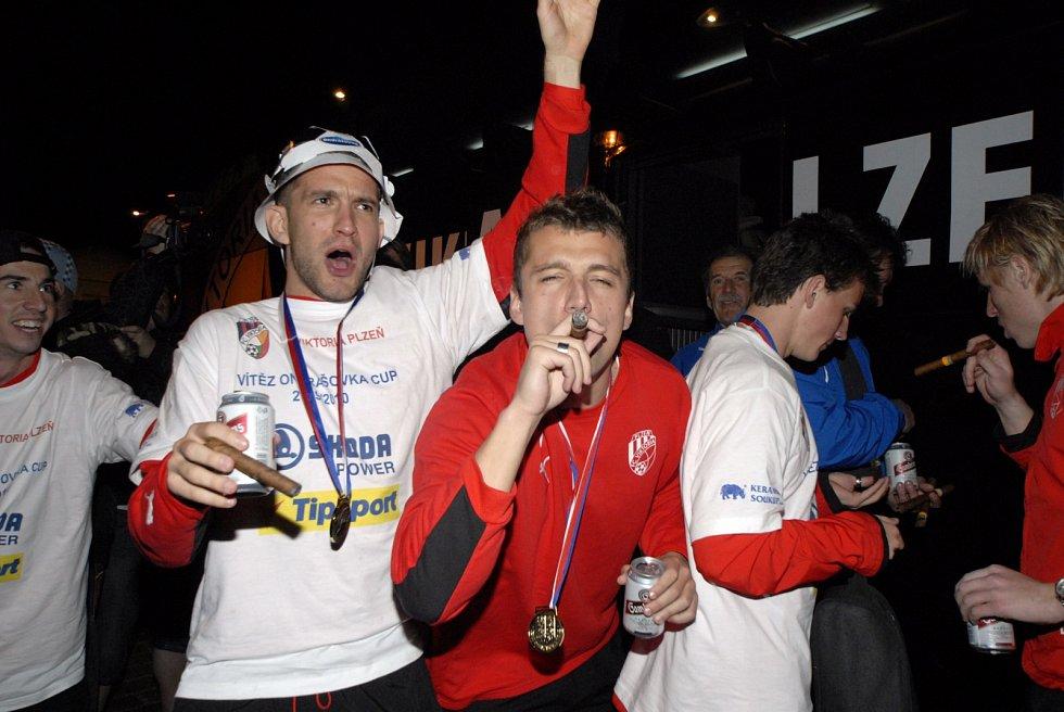 Vítězný doutník si vychutnával i Marek Bakoš.