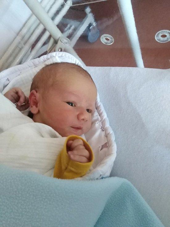 Michal Frank z Hradešic se narodil v klatovské porodnici 24. února ve 12:23 hodin (51 cm, 3280 g) rodičům Martě a Lubošovi. Na dalšího brášku se těšili sourozenci Štěpánek (5), Kubíček (4) a Vítek (2).