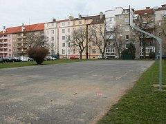 Vnitroblok mezi ulicemi Raisova, Majerova, Dvořákova a Politických vězňů v Plzni na Borech
