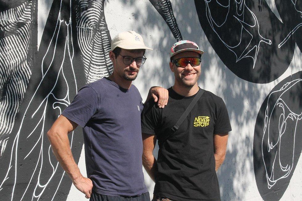 Rakušané Ruin (vpravo) a Skirl na plzeňském Wallz Street Art Festivalu.