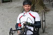Sportovec. Osmatřicetiletý Jan Krauskopf na expedici do Himálaje poctivě trénoval. Pravidelně hraje florbal a jezdí ina koni. Teprve v pátek se vrátil z cyklomaratonu, jenž absolvoval na handbiku