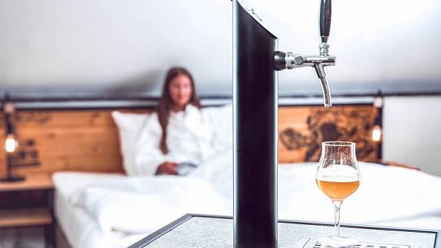 Pokoj s pípou hned u postele najdou lidé v Pivním hotelu v Nepomuku.