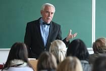 Pavel Pafko přednášel v Plzni na téma eutanázie
