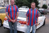 Výherci soutěže s Deníkem získali lístky na fotbal, od firmy Puma viktoriánské dresy a ještě se svezli přímo na stadion luxusními vozy Audi