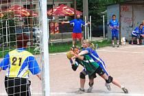 Z prvního finálového zápasu play-off národní házené mezi ženskými týmy Tymákova a Chomutova